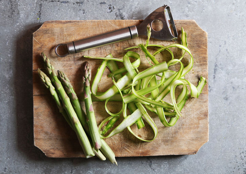 Asparagus Noodles with Pesto