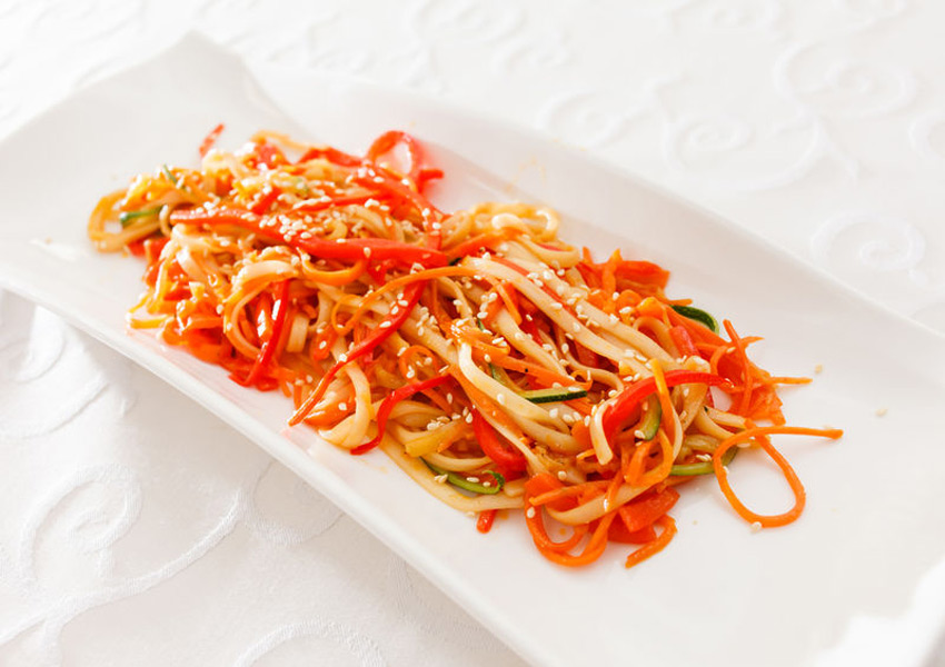 Carrot Noodles with Spicy Peanut Dressing